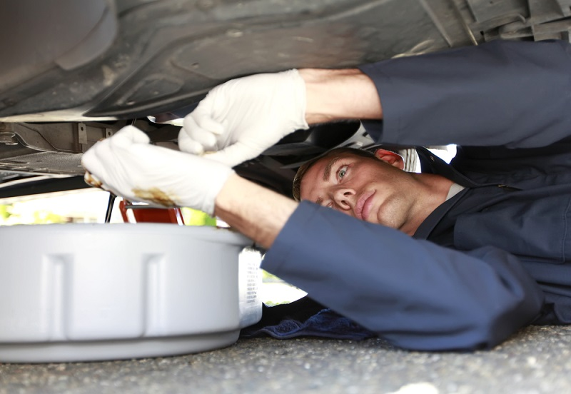 C mo cambiar el aceite y filtros del coche - Cambiar una casa por otra ...