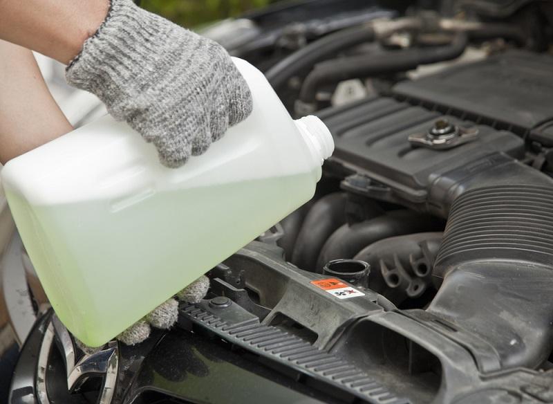 Cambiar líquido anticongelante del coche